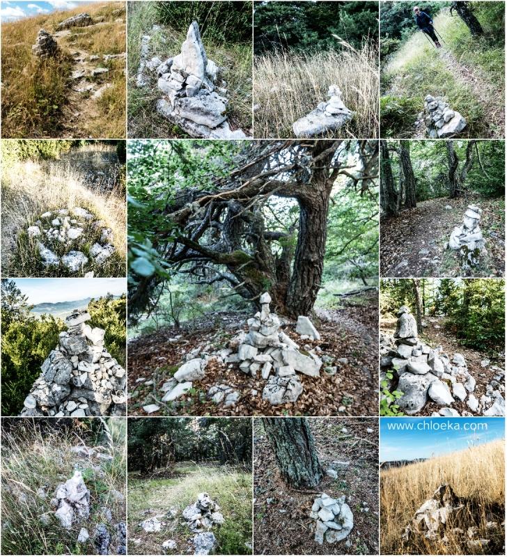 """Les cairns, précieux amas de pierres qui nous guident sur les sentiers """"flous"""" des sommets."""