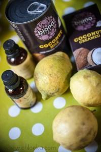 chloeka-gâteau cru noix de coco citron et son coulis de mûres- août 2014